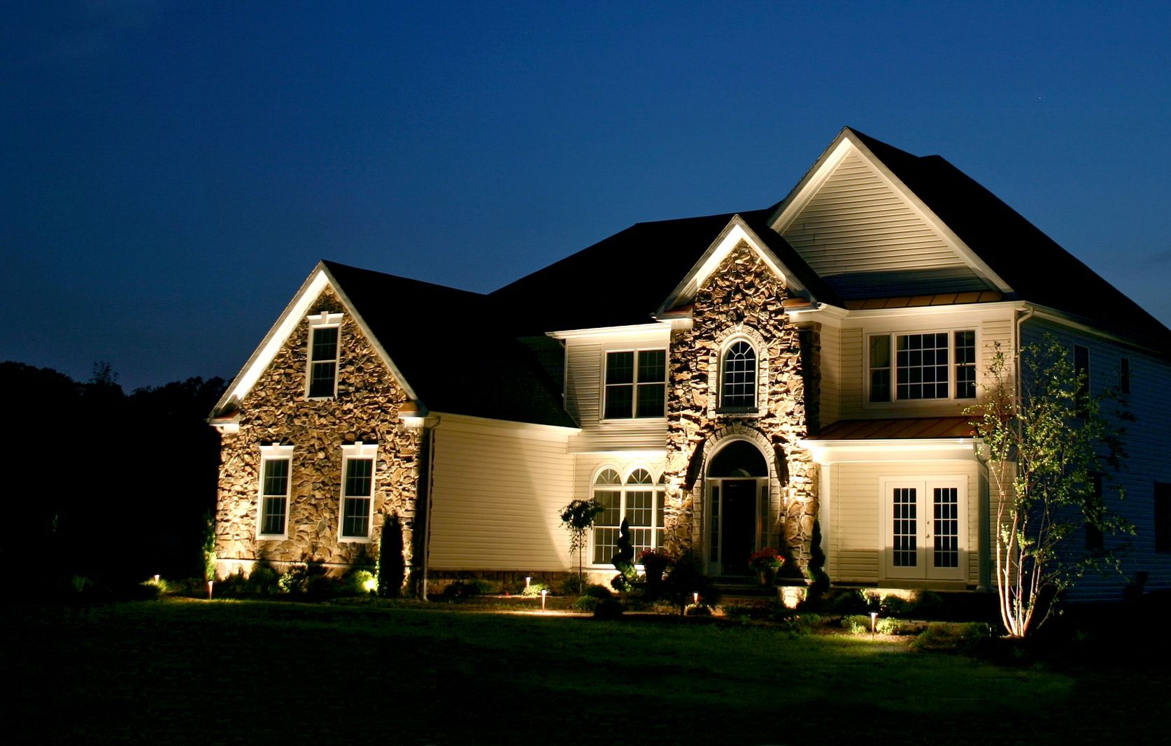Tips for choosing and installing landscape lighting tips for choosing and installing landscape lighting aloadofball Image collections